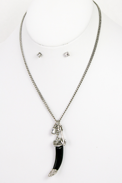Acrylic Fang with Charms Necklace Set - More Colors