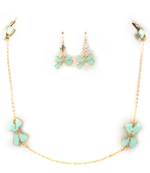 Bow-dacious Necklace and Earring Set