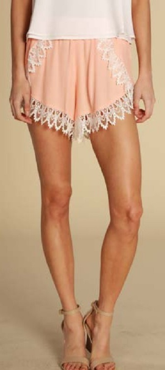 Lucy Love Scallop Lace Shorts - Georgia Peach